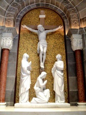 crucifix at ste anne de beaupray